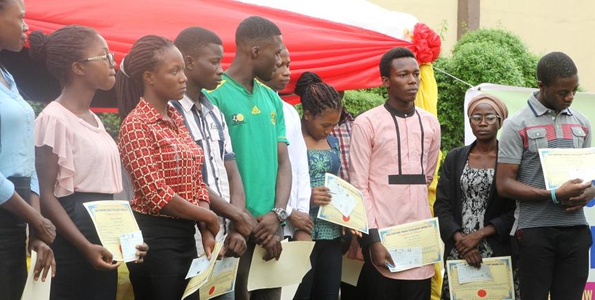 Education grant: 20 students get Gani Fawehinmischolarship